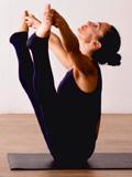 Justine-Yoga-postures-tutor